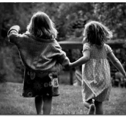 Prieteniile din copilărie pot avea beneficii asupra sănătății la vârsta adultă